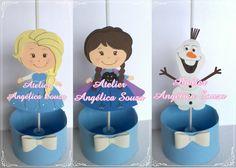 Centro de mesa tema Frozen todo em eva com cachepô e suporte para balão. <br> <br>Fazemos outros personagens, consulte! <br> <br>cachepô 10circ.x8alt.