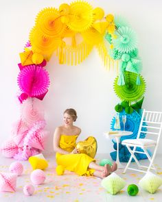 Tons of Photobooth Backdrop Ideas including this Rainbow Honeycomb Arch Rainbow Parties, Rainbow Birthday Party, Unicorn Birthday, Unicorn Party, Birthday Parties, Paper Party Decorations, Honeycomb Decorations, Halloween Decorations, Party Kulissen