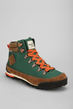 The North Face Back To Berkeley Boot - Urban Outfitters Mens Snow Boots b70e0ddc304