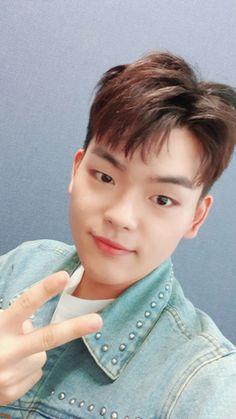 Seokcheol of The East Light Kpop, Sunnies, Fandom, Photo Cards, Singing, Sunglasses, Eyewear, Fandoms
