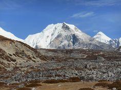 Zicht op Island Peak, een populaire klimbestemming