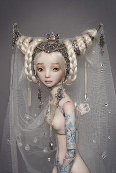 handmade adult porcelain enchanted doll marina bychkova 1072 700 Canadian artist makes hyper realistic, creepy dolls Photos) Enchanted Doll, Brian Froud, Barbie, Ooak Dolls, Blythe Dolls, Arte Punk, Marina Bychkova, Vladimir Kush, Carl Larsson