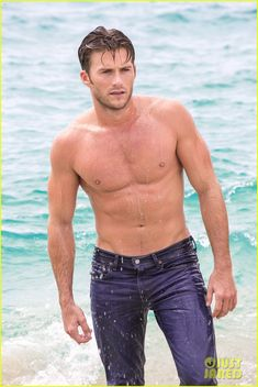 scott eastwoods latest shirtless pics for davidoff 12 Scott Eastwood flaunts his ripped body in these new shirtless photos showing a behind-the-scenes look at his Davidoff Cool Water campaign shoot. The 29-year-old…