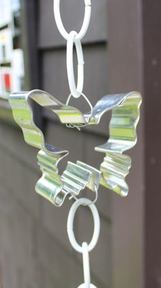 Turn ordinary cookie cutters into a rain chain for your garden!