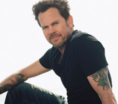 Watch Gary Allan's new video for 'Pieces'