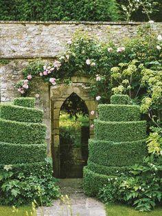 Topiary and gothic garden entry Garden Entrance, Garden Gates, Garden Art, Formal Gardens, Outdoor Gardens, Jardin Decor, The Secret Garden, Gothic Garden, Topiary Garden