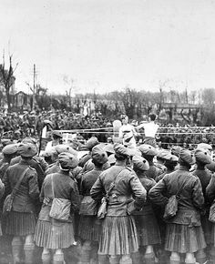 WWI, 3 April 1918; Boxing tournament held by the 14th (County of London) Battalion, London Regiment (London Scottish), Mont. St. Eloi. Detail. © IWM (Q 321)