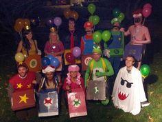 Mario Kart costumes!! Super fun Halloween costume idea. Mario Character Costumes, Mario Kart Costumes, Mario Brothers Costumes, Crazy Halloween Costumes, Halloween 2017, Holidays Halloween, Halloween Crafts, Halloween Party, Halloween Cubicle