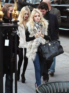 Mary-Kate and Ashley Olsen out and about. #style #fashion #olsentwins