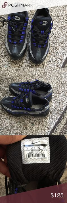 Nike Air Max 95  Blue black and grey normal wear . These do not have insole pads. I bought them like that and bought some gel insoles exclusive pair Nike Shoes Athletic Shoes