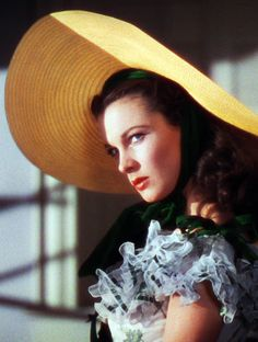 """Someone is about to be on the receiving end of a """"hissy fit"""". Vivien Leigh in Gone With the Wind (1939)"""