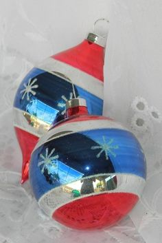 2 VTG Glass Christmas Long Teardrop Ornaments Red White Blue Patriotic American #Unknown