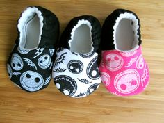 The nightmare before christmas baby clothes, Jack Skellington baby shoes, Jack… Jack Skellington, Baby Girl Shoes, My Baby Girl, Baby Love, Cute Outfits For Kids, Baby Boy Outfits, Christmas Shoes, Christmas Clothes, Christmas Baby Shower