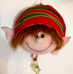 Felt Christmas, Christmas Ornaments, Diana, Holiday Decor, Carrier Bag Holder, Gardens, Holiday Ornaments, Christmas Fabric, Leprechaun