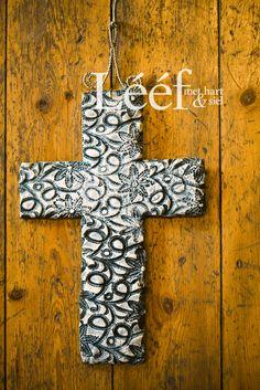 Fotograaf - Candice Askham Exterior Design, Interior And Exterior, Cross Art, Afrikaans, Rustic Interiors, Rustic Design, Crosses, Polymer Clay, Easter