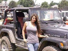 Women who love Jeeps make up a unique subculture within the culture of Jeep enthusiasts that are part of a larger group or culture of enthusiasts. These women are like-minded, embrace new people and Jeep Wrangler Girl, Jeep Wrangler Rubicon, Jeep Wrangler Unlimited, Trucks And Girls, Car Girls, Jeep Baby, Badass Jeep, Black Jeep, Cool Jeeps