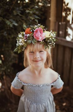 Myla VonBlanckensee photo by Tessa Cheetham #flowers #flowercrowns #colours #photography #photoshoot #photos #portrait #afternoon #outdoors #nature #bunnies #smiles