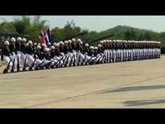 SPECTACULAR! This Thai Military Parade will blow you away - Incrível performance desta banda  Márcio Insaurrade