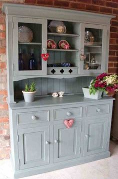 Annie Sloan Duck Egg Loving her paint just now - Model Home Interior Design Country Kitchen, New Kitchen, Kitchen Decor, Kitchen Design, Paint Furniture, Furniture Projects, Furniture Makeover, Dresser Makeovers, Upcycled Furniture