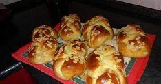 Τσουρέκια Greek Recipes, Vegan Recipes, Greek Sweets, Greek Easter, Think Food, Hot Dog Buns, Dairy Free, Good Food, Favorite Recipes