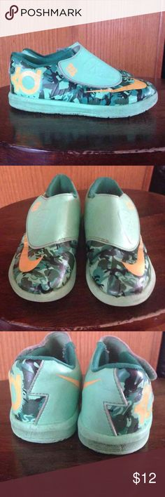 Nike KDs Sz 10y Green gently used Nike Shoes Sneakers
