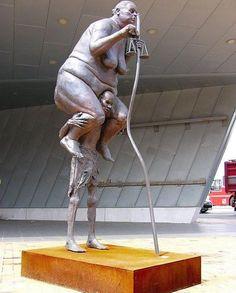 10 скандальных скульптур мира
