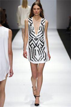 Sfilata Vanessa Bruno Paris - Collezioni Autunno Inverno 2013-14 - Vogue