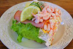 Fredagsmat - Jennys Matblogg Sandwich Cake, Sandwiches, Avocado Toast, Sushi, Meat, Breakfast, Ethnic Recipes, Food, Cakes