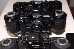 Nikon's équipé 250 vues - Derrière - Milieu Titan - Devant F Nikon F2, Nikon Cameras, Camera Lens, Binoculars, Lenses, Digital, Products, Large Families, Photography