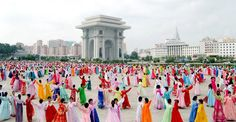 위대한 김정일동지께서 선군혁명령도의 첫 자욱을 새기신 56돐에 즈음한 녀맹일군들과 녀맹원들의 경축무도회 진행