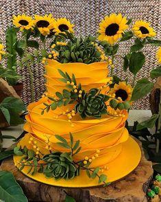 🌻🌻🌻🌻🌻🌻 Bolo lindissimo da com decor de Pretty Cakes, Beautiful Cakes, Amazing Cakes, Sunflower Party, Sunflower Cakes, Rodjendanske Torte, Crinkle Cookies, Pumpkin Spice Cupcakes, Velvet Cake