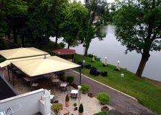 Traumhafte Terrasse des Ristorante & Gelateria Paradiso in Georgenthal, idyllisch am Hammerteich gelegen! Was gibt's Besseres als ein Eis am See? www.lokalfinder-thueringen.de/lokal/ristorante-paradiso
