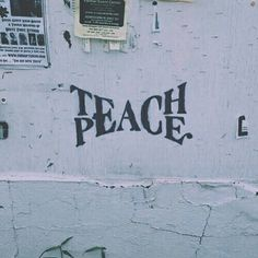 Teach Peace – Graffiti World Words Quotes, Me Quotes, Sayings, Quotes Amor, Rock Quotes, Trust Quotes, Writer Quotes, Crazy Quotes, Urbane Kunst