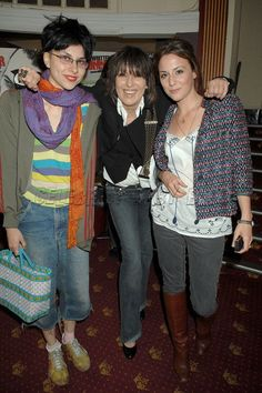 Chrissie Hynde & her daughters.