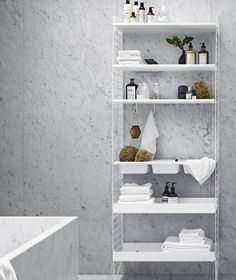 The popular shelf system from String perfect as a bathroom shelf right in a Scandinavian interior style. The popular String shelving systems are perfect as a bathroom shelf, in line with the Scandinav Shelf System, Shelving Systems, Scandinavian Bathroom, Scandinavian Interior, String Pocket, Beautiful Dining Rooms, Bathroom Shelves, Interior Design Living Room, Interior Styling