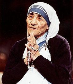 Mother Theresa loved the Rosary