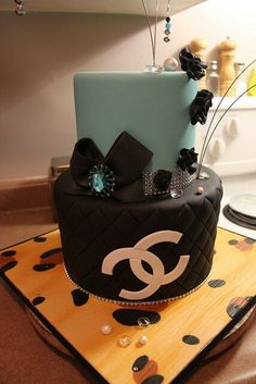 Chanel cake and blue tiffany