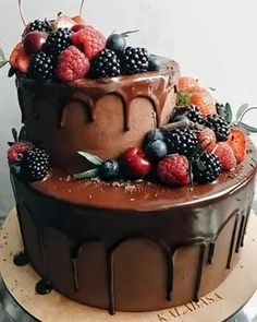 Big Cakes, Fancy Cakes, Delicious Desserts, Yummy Food, Birthday Cake Decorating, Pretty Cakes, Tiered Cakes, Yummy Cakes, No Bake Cake