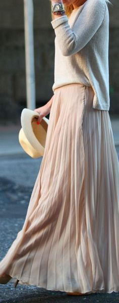 Long pleated blush maxi skirt by Zara paired with a pale sweater. image from Brooklyn Blonde Pleated Maxi, Flowy Skirt, Maxi Skirts, Long Skirts, Chiffon Maxi, Nude Skirt, Maxi Skirt Outfits, White Chiffon, Knit Skirt