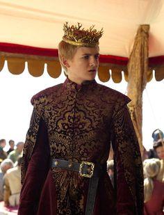 Jack Gleeson as Joffrey Baratheon in Game of Thrones (TV Series, Jack Gleeson, Hijab Fashion Inspiration, Style Inspiration, Fantasy Inspiration, Costumes Game Of Thrones, Game Of Thrones Joffrey, King Joffrey, Renaissance Men, Beautiful Costumes