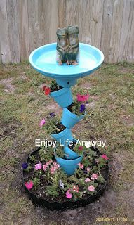 Enjoy Life Anyway: DIY Bird Bath Topsy Turvy Bird Bath planter - how cool! (Minus the ugly frogs) Bird Bath Planter, Diy Bird Bath, Planters, Bird Bath Garden, Homemade Bird Baths, Homemade Bird Feeders, Diy Bird Feeder, Planter Ideas, Garden Cottage