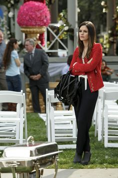 We love Zoe Hart's style — especially when she wears cool-girl pieces like this strap-laden black Alexander Wang tote and slick red jacket. #RachelBilson #ZoeHart #HOD #HartOfDixie #Fashion Photo courtesy of The CW