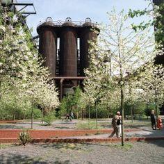 Landschaftspark Duisburg Nord by Latz + Partner  http://www.turistarth.com/l-emozione-del-paesaggio/46-co-cambiamento-nel-paesaggio-e-con-il-turismo-culturale