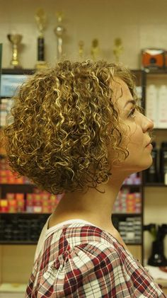 LOVE this permed bob style!  Side view.