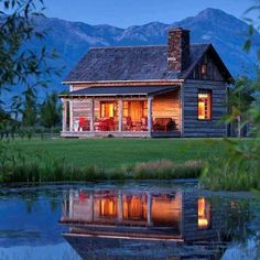 Serenity at a Small Cabin Near the Mountains – Cabin Living - Relaxing Summer Porches Beautiful Homes, Beautiful Places, Log Cabin Homes, Log Cabins, Rustic Cabins, Little Cabin, Cabins And Cottages, Small Cabins, Cozy Cabin