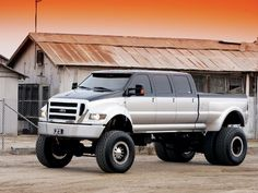 Ford F650 6 door. When I wi the lottery I'll get one of these bad ass trucks