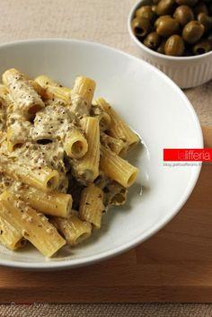 Primo piatto: pasta alla crema di olive
