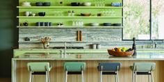 24 green kitchen design ideas - paint colors for green kitchens Green Kitchen Paint, Green Kitchen Designs, Green Kitchen Cabinets, Kitchen Paint Colors, Big Kitchen, Pink Paint Colors, Favorite Paint Colors, Bedroom Paint Colors, Minimalistic Design