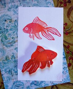 this gold fish is just darling! Gold Fish Painting, Fabric Painting, Paper Art, Paper Crafts, Stamp Carving, Handmade Stamps, Fabric Stamping, Art And Craft Design, 3d Max