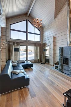 The Difference Between Modern Interiors And Traditional Interior Home Design Interior Decorating Styles, New Interior Design, Home Decor Trends, Decorating Tips, Rooms Home Decor, Home Living Room, Living Room Decor, Dream Decor, White Decor